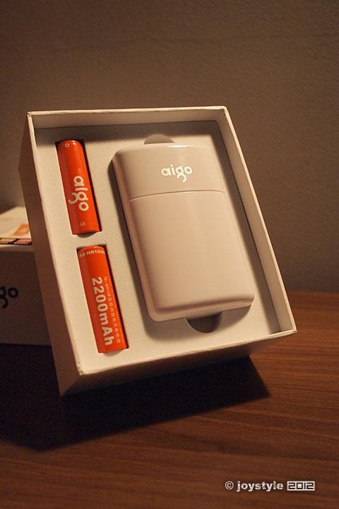 aigo给力宝TDQ2移动电源 充电器 电池