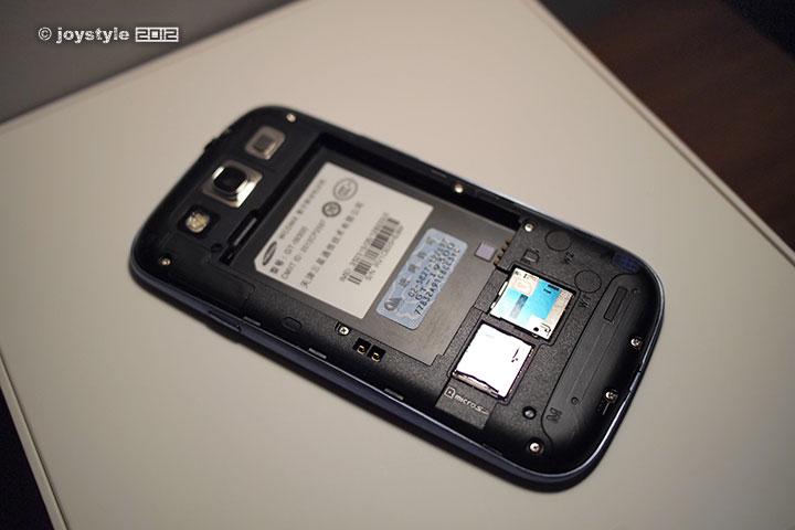Samsung Galaxy S III 背面